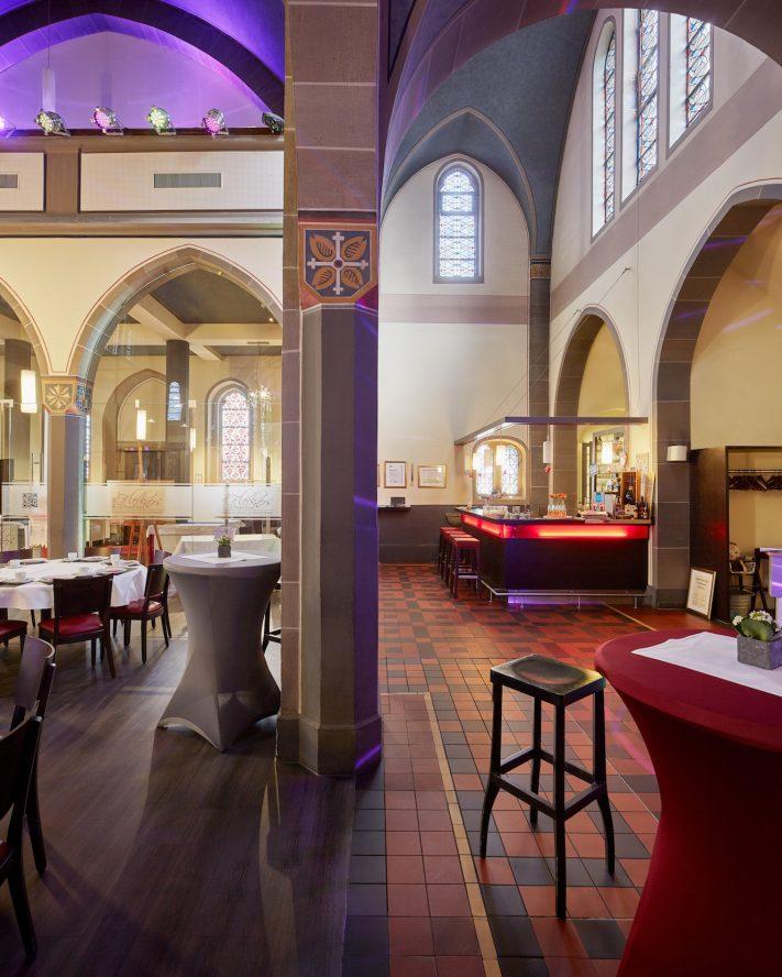 St. Bernardus   Kapelle und Gastronomie